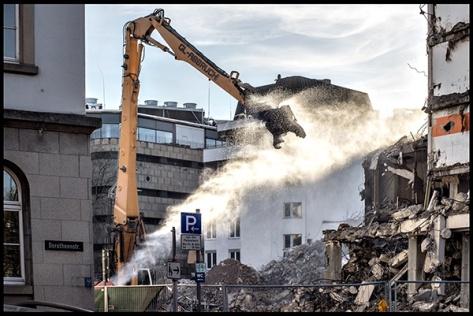 Stuttgart-2015-Dorotheenquartier-22-Druck-40x60-Vom-Karlsplatz-zum-Betten-Braun