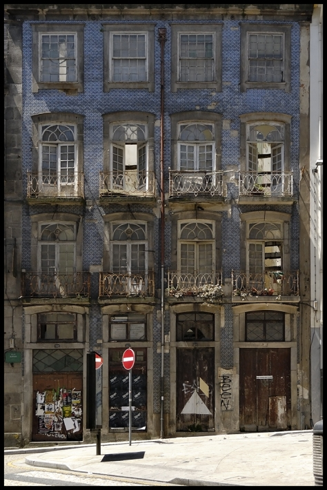Portugal 2011 Porto Ruine am Bahnhof Kopie