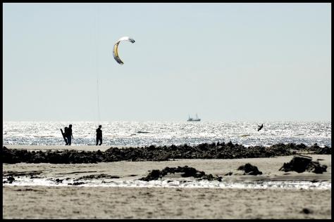 St-Peter-ording 2013 Kyte-Surfer mit Strand und Personen 40x60 Kopie